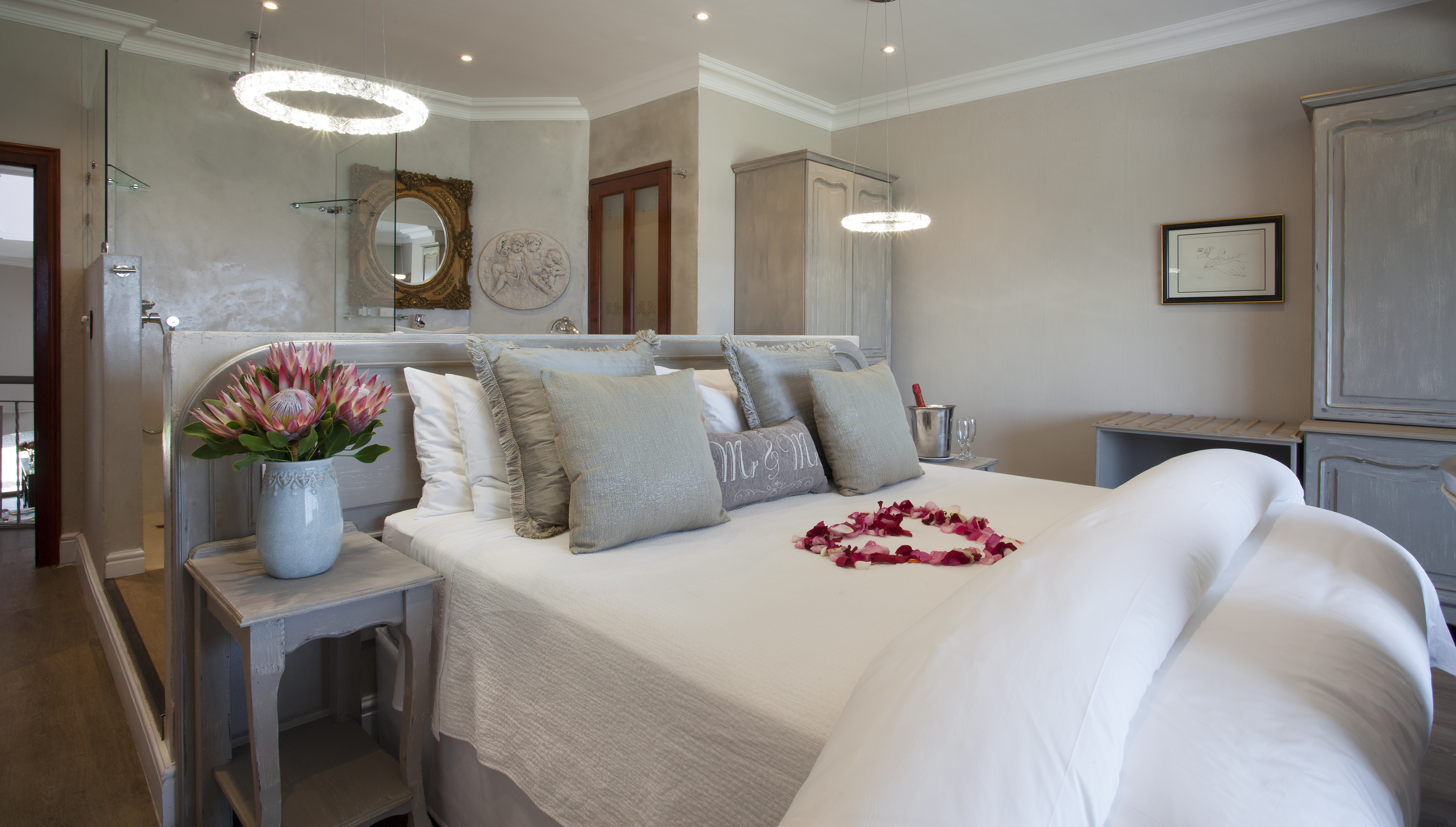 Hermanus Boutique Guest House   Luxury and Romantic Accommodation    Hermanus South Africa. Hermanus Boutique Guest House   Luxury and Romantic Accommodation